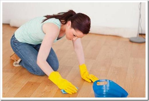 Как отмыть ламинат после ремонта?