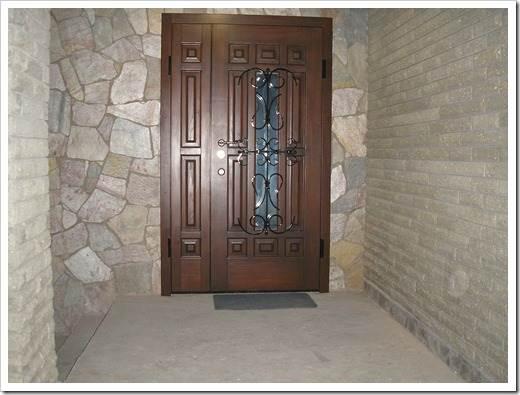 Металлические двери: преимущества и недостатки