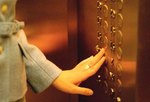 Форс-мажор: лифт застрял