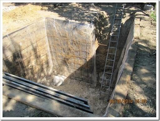 Организация подвала при помощи кирпича или бетонных блоков