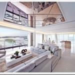 Зеркальные стеклянные потолки в интерьерах квартир