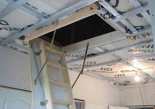 Секреты монтажа лестницы на чердак