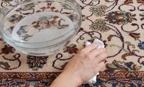 Чистим ковер своими руками