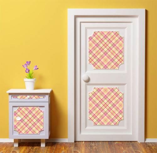 Как украсить дверь в комнате своими руками