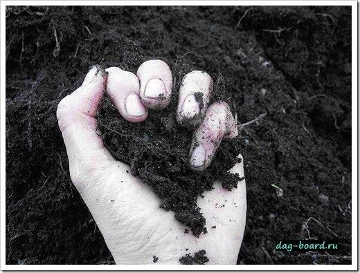 Смешивание грунта на приусадебном участке