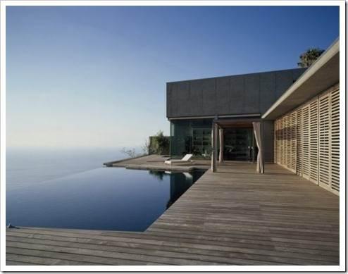 Как купить квартиру у моря?