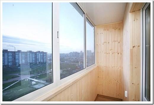 Использование ленточной фурнитуры и открывание створки окна