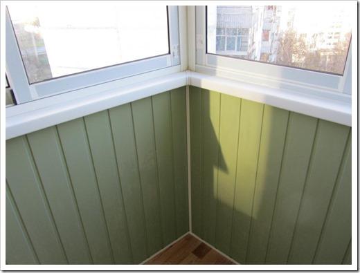 Вагонка ПВХ: преимущества выбора для внутренней обшивки балкона