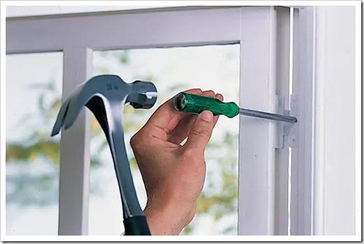 Как починить механизм пластикового окна?
