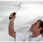 Почему для потолков используют акриловую краску?