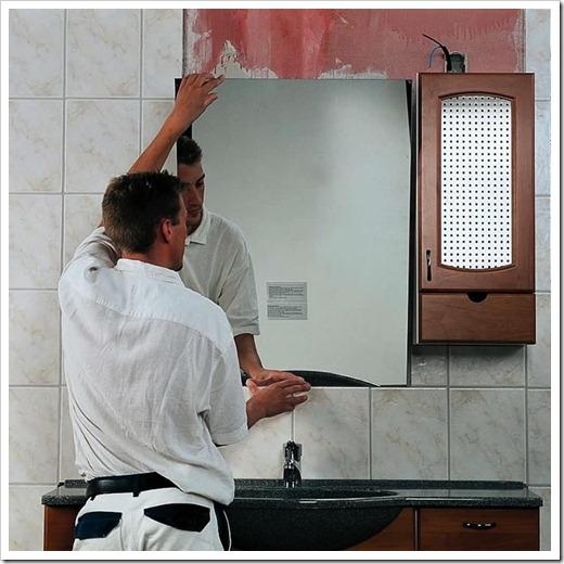 Использование силикона для фиксации зеркала