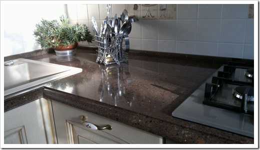 Какие материалы сегодня используются при производстве кухонных столешниц?