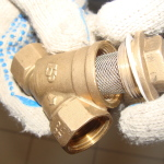 Как открутить фильтр грубой очистки воды