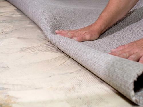 Как постелить ковролин на бетонный пол