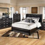 Как расположить мебель в спальне