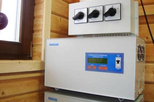 Как выбрать стабилизатор напряжения 220в для дома