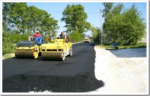 Какую технику используют при асфальтировании дорог