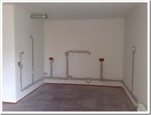 Как найти провод в стене?