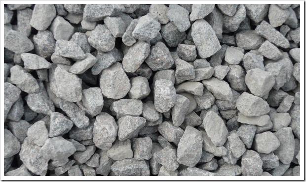 Характеристики и сфера применения гранитного щебня 20-40