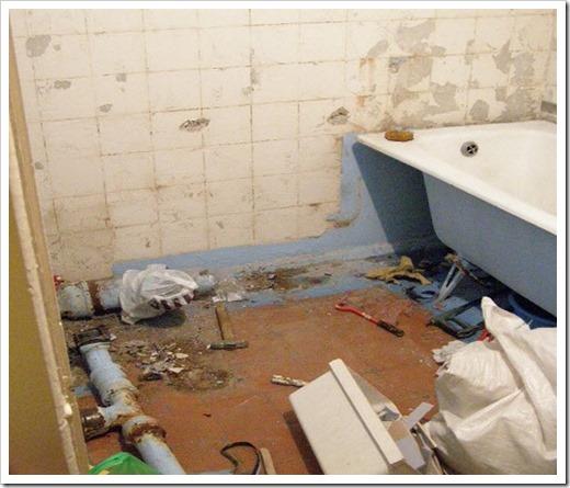 Как заменить унитаз и ванну в совмещенном санузле?