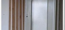 Что такое строительные двери и их характеристики