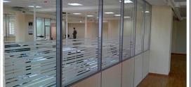 Виды и особенности монтажа алюминиевых офисных перегородок