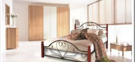 Какую двуспальную кровать выбрать: из дерева или металлическую