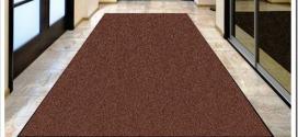 Как выбрать ковровую дорожку в коридор