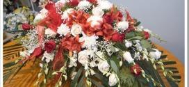 Как сделать ритуальный венок из живых цветов